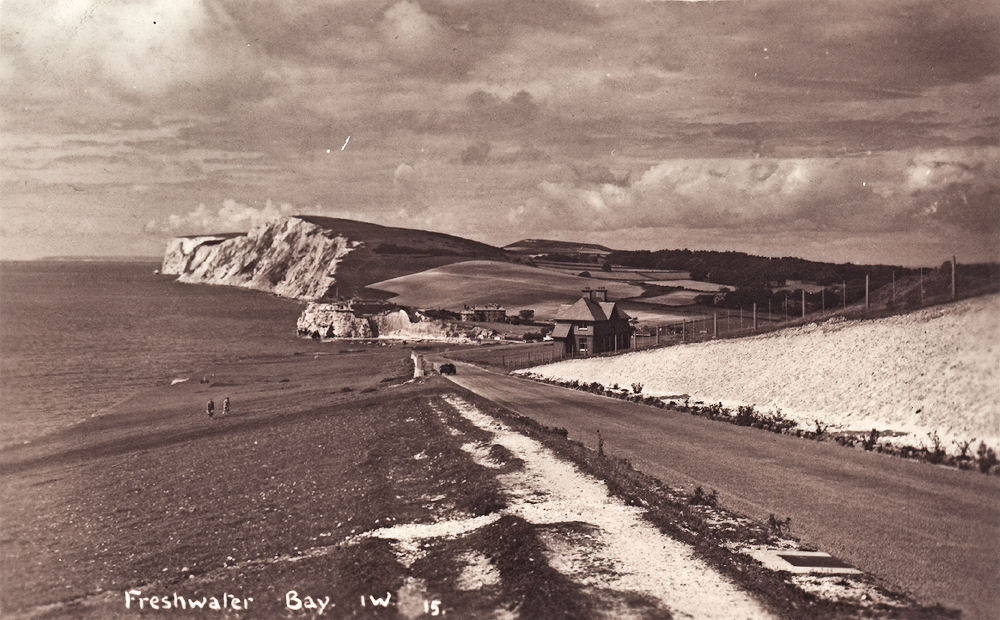 The approach to Freshwater Bay
